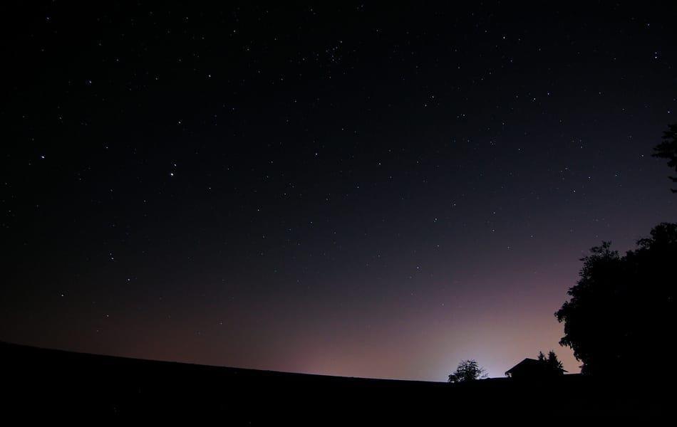 Sterne & Sternbilder im August: Göttertaumel und Schwanengesang | Sternenhimmel | BR Wissen