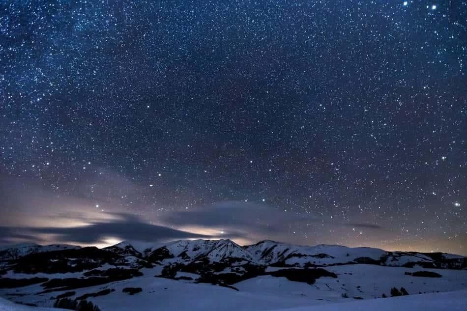Sterne nachts berge schnee