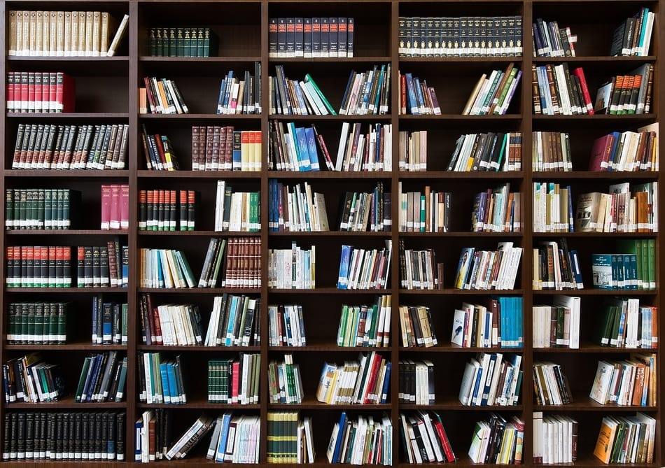 Astronomie-Bücher lesen