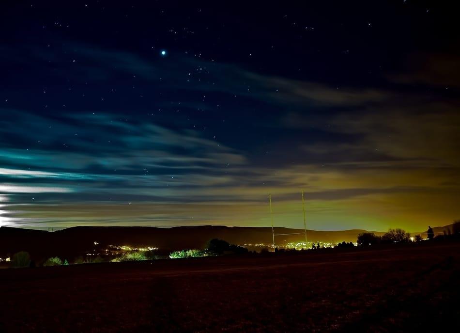 erleuchteter Nachthimmel